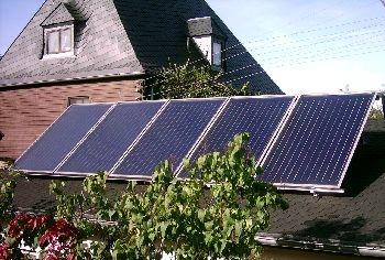 Solaranlage zur Warmwasserbereitung und Heizungsunterstützung (12,5 m²)